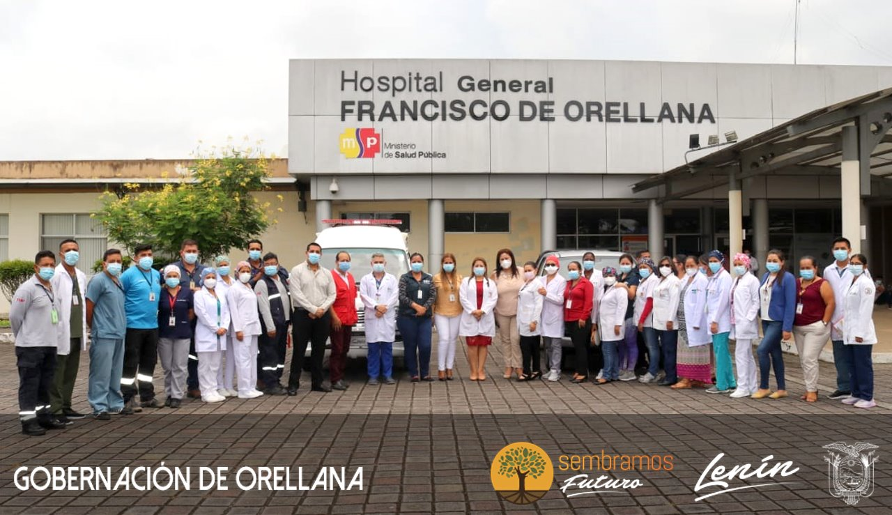 Entrega de  Ambulancia equipada y una Camioneta para el Hospital General Francisco de Orellana